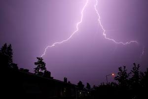 Nå kommer det et eget farevarsel for lyn og torden
