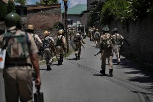 Seksåring drept i skuddveksling i Kashmir
