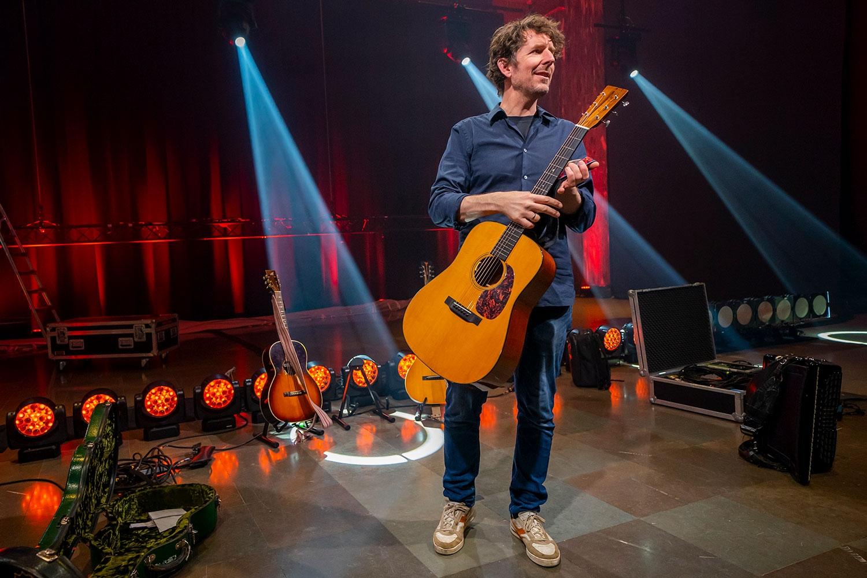 Odd Nordstoga spilte mutters alene – 70.000 fulgte konserten hans hjemmefra