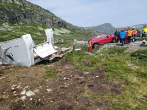 Campingvogn blåste av veien på Valdresflye