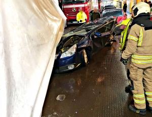 Trailer veltet over flere biler om bord i Bastøferja