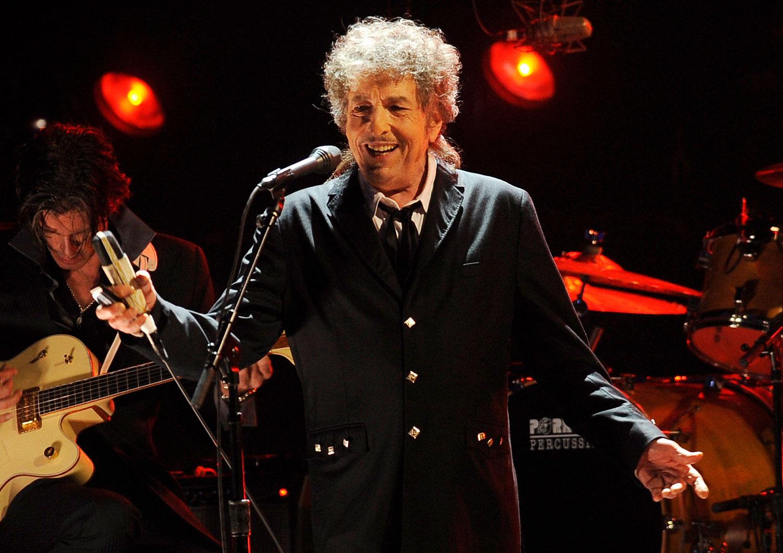 Bob Dylan selger hele sangkatalogen sin