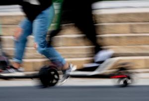 Rekordmange ulykker med elsparkesykler i august