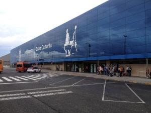Sandfaste passasjerer må sove på flyplassen på Kanariøyene
